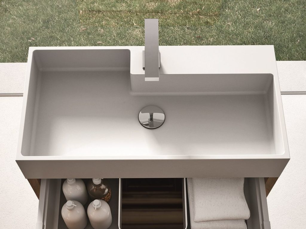 AQUATEK – nagy kopásállóság, elegáns matt mosdópultok és integrált mosdó