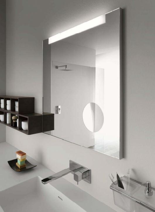 Fürdöszobai tükör kozmetikai tükörrel