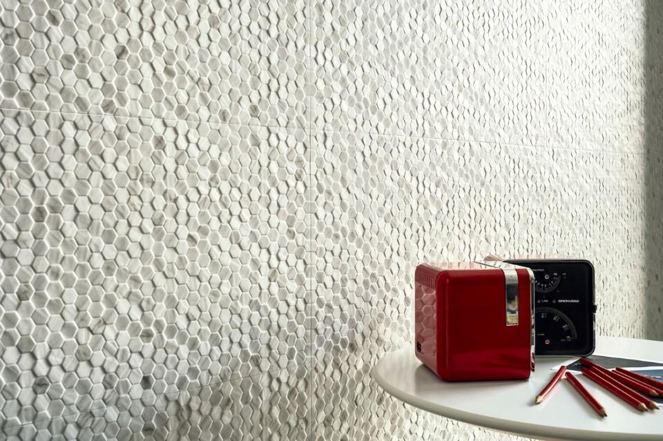 Carrara Esagonetta Matt, collezione Marmi Reali, Ceramiche Piemme