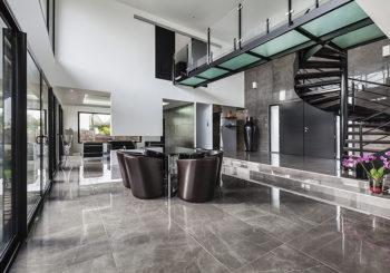 Large windows, bright spaces, minimal furnishing.